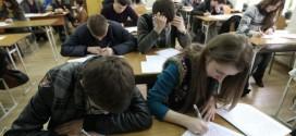 47.55% dintre absolvenţii din 2019 îşi continuă studiile, 28,27% s-au angajat