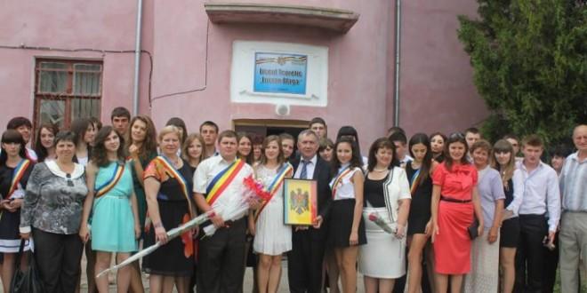 """Viaţa sub semnul fricii la Liceul """"Lucian Blaga"""" din Tiraspol, """"ultimul focar de românism"""""""