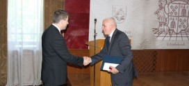 La Odorheiu-Secuiesc: Şedinţa extraordinară şi şedinţa festivă a Consiliului Judeţean Harghita