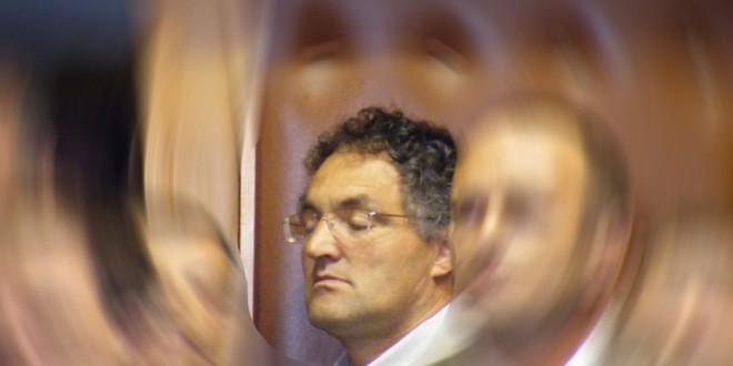 Ráduly Róbert, acuzat că a strâns de gât un consilier local