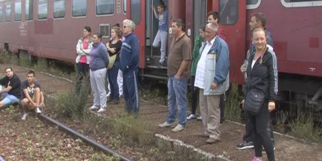 Circulația pe calea ferată, în județ, a fost blocată mai mult de 12 ore