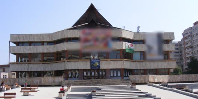 Consiliul local a decis achiziţionarea Casei Artelor (fosta Casă de cultură a sindicatelor Miercurea-Ciuc)
