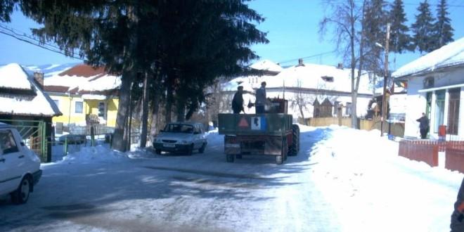 Prioritatea momentului: asigurarea întreţinerii de iarnă a drumurilor judeţene