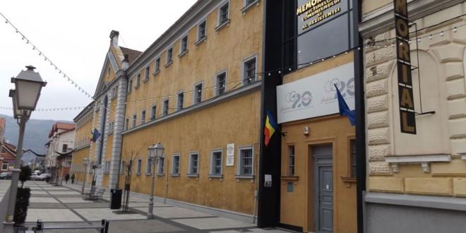 Să nu uităm trecutul şi arătaţi istoria celor tineri: Memorialul de la Sighet (I)