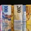 Există o Directivă Europeană care obligă băncile să negocieze cu clienţii în dificultate care au luat credite în alte valute decât moneda naţională