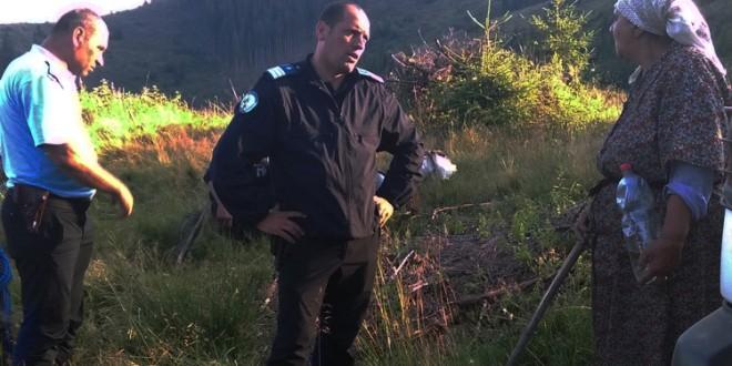 Jandarmii și polițiștii au găsit o femeie rătăcită