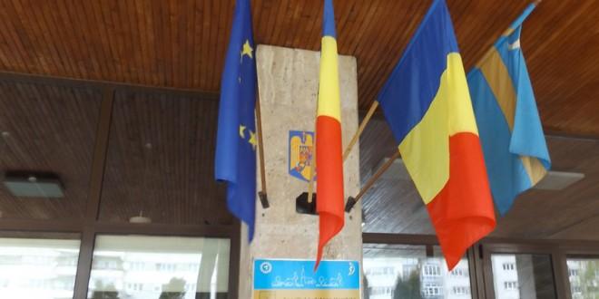Noua lege a drapelelor prevede că Harghita şi Mureş nu pot avea aceleaşi steaguri