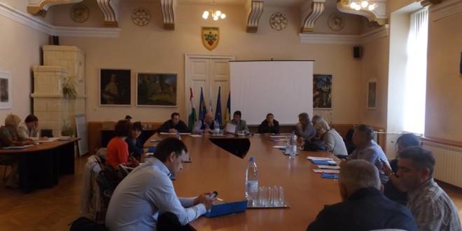 În şedinţă extraordinară: Consiliul local municipal Miercurea-Ciuc a aprobat completarea şi modificarea bugetului de venituri şi cheltuieli pe 2015