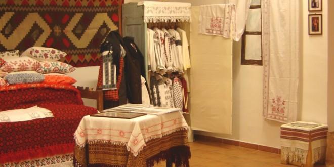 """O veritabilă lecţie de artă populară românească la """"Casa cu amintiri"""" (II)"""