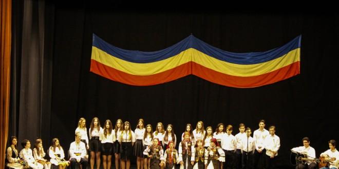 Unirea povestită prin cântec, poezie şi teatru de elevi de la CNOG