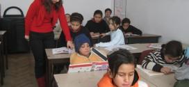A scăzut abandonul şcolar şi absenteismul în rândul copiilor şi adolescenţilor romi