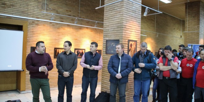 Expoziţie foto dedicată împlinirii a 50 de ani de la descoperirea Peşterii Şugău
