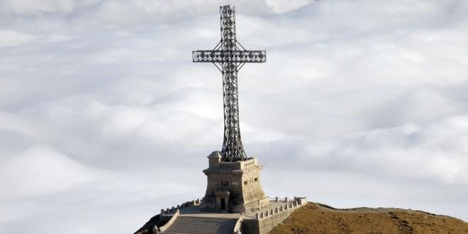 Crucea de pe Caraiman a trecut în administrarea Ministerului Apărării Naţionale