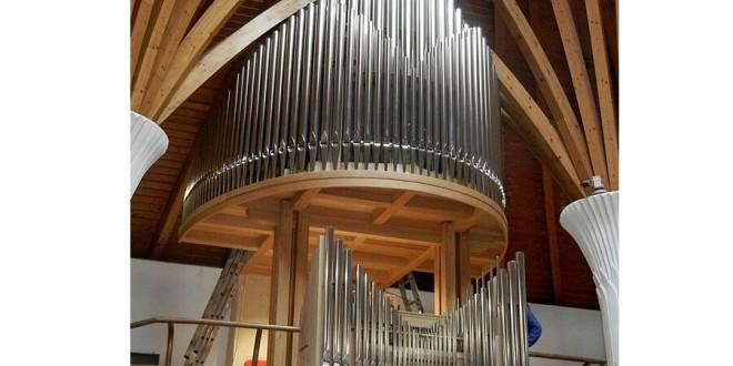 """De Paştele catolic, în """"Biserica cu îngeri"""" din Miercurea-Ciuc a răsunat noua orgă cu 1.300 de tuburi"""