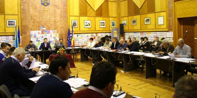 Învăţământul liceal, pălinca şi berea, pe masa de dezbateri a Consiliului Judeţean Harghita