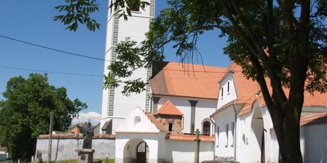 Monumentele istorice nu se construiesc, se moştenesc (IV): Acţiuni ale bisericilor: o istorie îngropată sub var, un lăcaş de cult vechi acoperit de unul nou