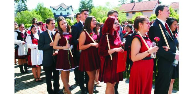 """Ultimul clopoţel la Liceul Tehnologic """"Joannes Kájoni"""" din Miercurea-Ciuc"""