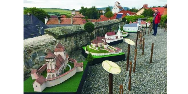 Odorheiu Secuiesc: Parc tematic cu machete ale clădirilor reprezentative din Transilvania