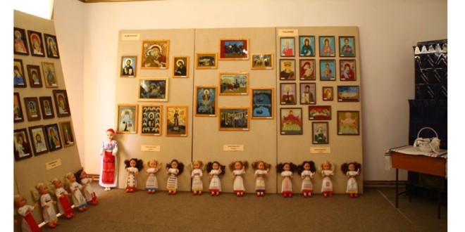 """Într-o atmosferă românească, au fost premiați copiii care au participat la faza județeană a Olimpiadei de """"Meșteșuguri Artistice Tradiționale"""""""
