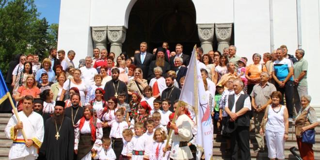 Klaus Iohannis, primit la Catedrala episcopală cu pâine şi sare
