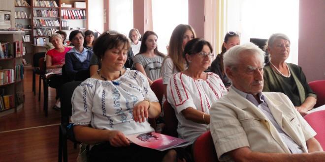 """""""Ziua Limbii Române"""" la Biblioteca Municipală din Topliţa"""