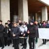 Miercuri: Primindu-şi doar o parte din salarii, angajaţii de la Protecţia Copilului au protestat din nou