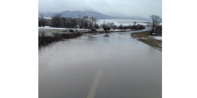 Prefectul atenţionează primarii să ia măsuri pentru prevenirea inundaţiilor