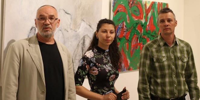 După două săptămâni de creaţie: Lucrări ale artiştilor de la FREE Camp au fost prezentate în cadrul unei expoziţii găzduită de Consiliul Judeţean Harghita