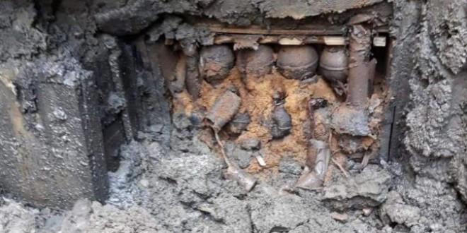 Depozit cu mai multe lăzi cu grenade, descoperit la Topliţa