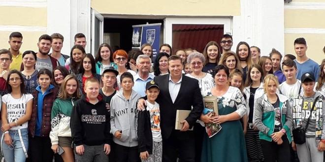"""Aproape 100 de tineri din ţară, din Republica Moldova şi Ucraina, prezenţi la tabăra """"Tineret Transilvan 2018 – Idealuri şi perspective"""""""
