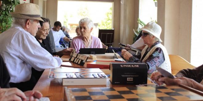 Activitatea Serviciului de îngrijire la domiciliu al Caritas, grav afectată de reducerea finanţărilor şi lipsa de personal