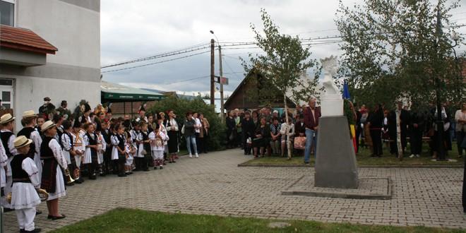 La Voşlăbeni, ceremonial de cinstire a Reginei Maria şi Armatei Române