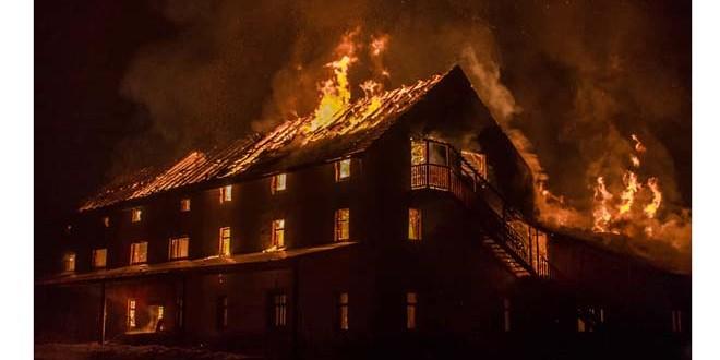 Incendiu puternic, în noaptea de luni spre marţi, la un gater din Frumoasa