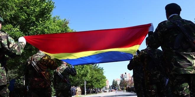 Mâine, în Miercurea Ciuc: Ceremonialul militar de înălţare a Drapelului României la catarg