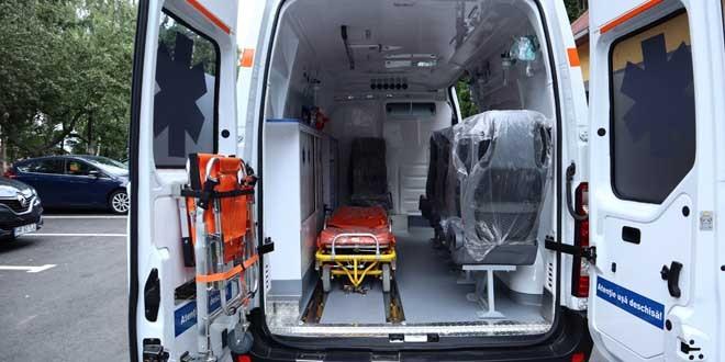 Echipamentele medicale donate spitalului judeţean de către Fundaţia pentru Parteneriat şi MOL România au fost primite de secţii