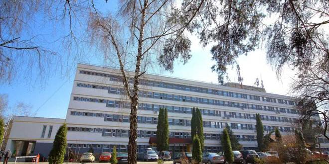 """<h5><i>Dr. Adrian-Cristian Dobrică, directorul de Dezvoltare-Cercetare al Spitalului Judeţean de Urgenţă Miercurea Ciuc:</i></h5> """"Este o generaţie de medici care s-ar putea să fie istorică pentru această regiune. Zilele Spitalului au şi rolul de a-i stimula în acest sens"""""""