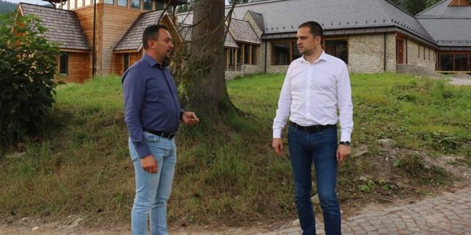 """Ministrul Turismului, Bogdan Trif, în control la """"Sania de vară"""" și la Centrul Balneoclimateric din Borsec"""
