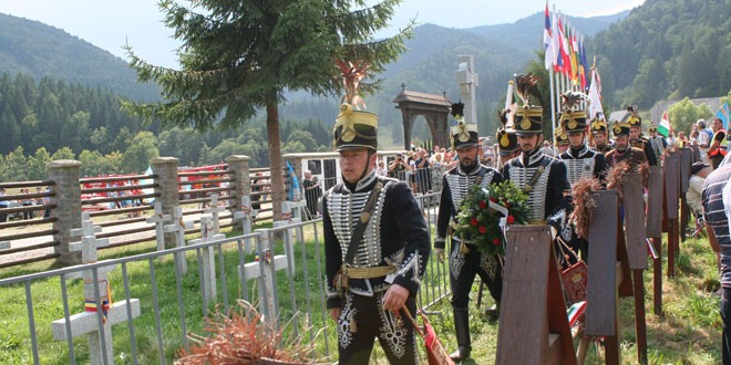"""Borboly Csaba către etnicii maghiari la Cimitirul Internaţional de la Valea Uzului: """"Toţi avem un rol în procesul de apărare a Văii Uzului!"""""""