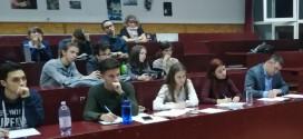 """Tinerii """"academicieni"""" de la Colegiul Naţional """"Octavian Goga"""""""