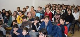 Mihai Eminescu omagiat de elevii maghiari, la tradiţionalul concurs de recitare
