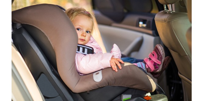 Cum echipezi corect mașina când călătorești cu cei mici