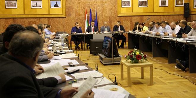 Bugetul Consiliului Judeţean, de peste 100 de milioane de euro, mai mic cu aproape 8,5% decât anul trecut