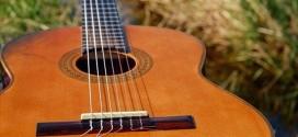 Cum să înveți singur să cânți la chitară? 5 pași de bază pe care trebuie să-i urmezi