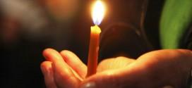 Credincioşii ortodocşi vor putea lua Lumina Sfântă de la Ierusalim în noaptea de Înviere