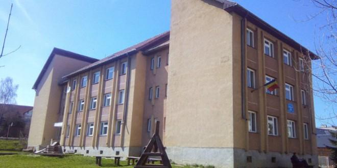 Încă două contracte de execuţie semnate pentru reabilitarea unor unităţi de învăţământ din Miercurea Ciuc