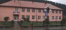 Tabletă şi acces la Internet pentru fiecare elev şi profesor din comuna Tulgheş