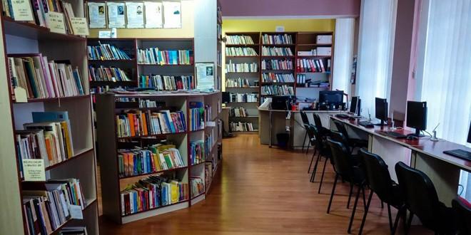 """Curs online de creaţie literară la Biblioteca Municipală """"George Sbârcea"""" Topliţa"""