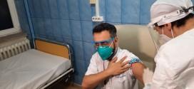 Aproape 1.600 de medici, asistente şi infirmieri imunizaţi în Harghita