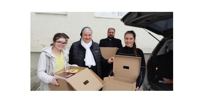 <h5><i>Donaţii de carte, de Ziua Internaţională a Cărţii Dăruite</i></h5> De la Sfântu Gheorghe – la Gheorgheni şi Odorheiu Secuiesc