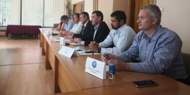 Acord de parteneriat între reprezentanţii mediului de afaceri şi asociaţiilor profesionale din Harghita